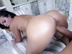 Keisha Aged ride monster cock